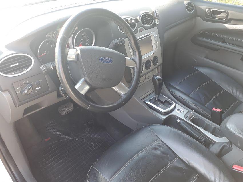 Ford Focus Hatch SE Plus 2.0 16V PowerShift (Aut) - Foto #6
