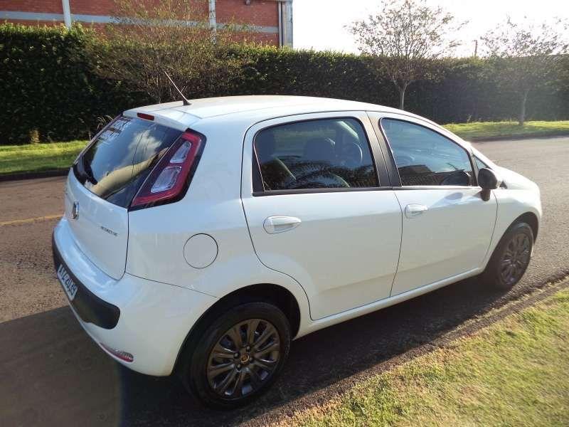 Fiat Punto 1.4 (Flex) - Foto #8