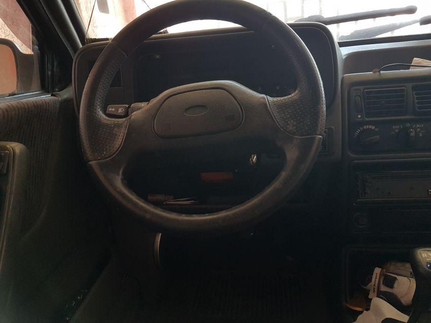Ford Escort Hatch XR3 1.8 - Foto #4