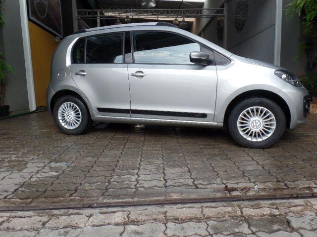 Volkswagen up! Move 1.0 TSI Total Flex - Foto #1