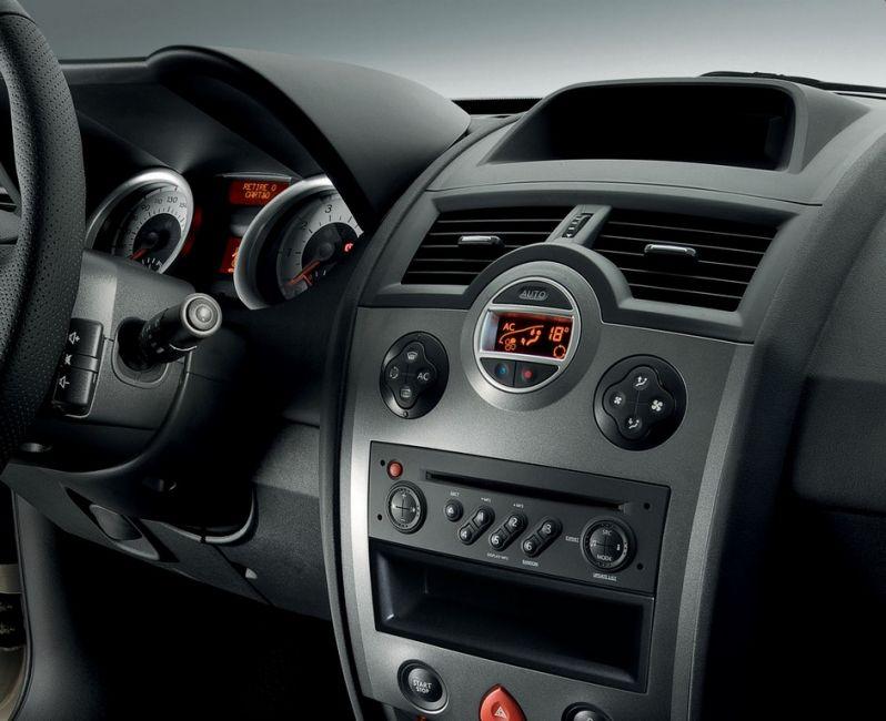 Renault Mégane Grand Tour Dynamique 1.6 16V (flex) - Foto #10