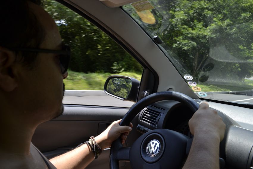 Volkswagen Fox City 1.0 8V 4p (Flex) - Foto #6