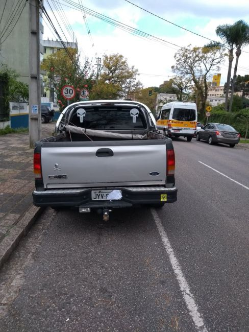 Ford F250 XLT 3.9 (Cab Simples) - Foto #2