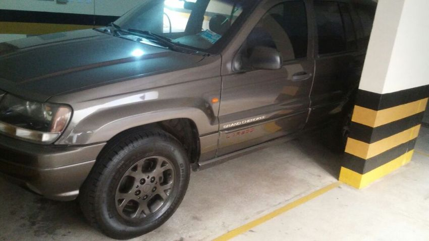 Jeep Cherokee 3.2 V6 Limited 4WD - Foto #2