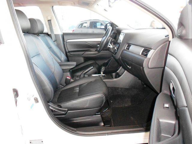 Mitsubishi Outlander GT 4X4 Full 3.0 V6 24V - Foto #4