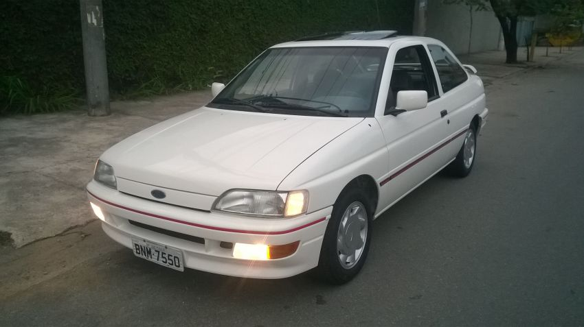 Ford Escort Hatch XR3 2.0 i - Foto #1