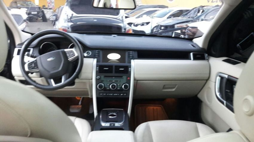 Land Rover Discovery Sport 2.2 SD4 HSE Luxury 4WD - Foto #4