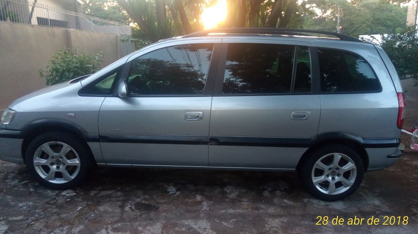 Chevrolet Zafira Elegance 2.0 (Flex) (Aut) - Foto #3