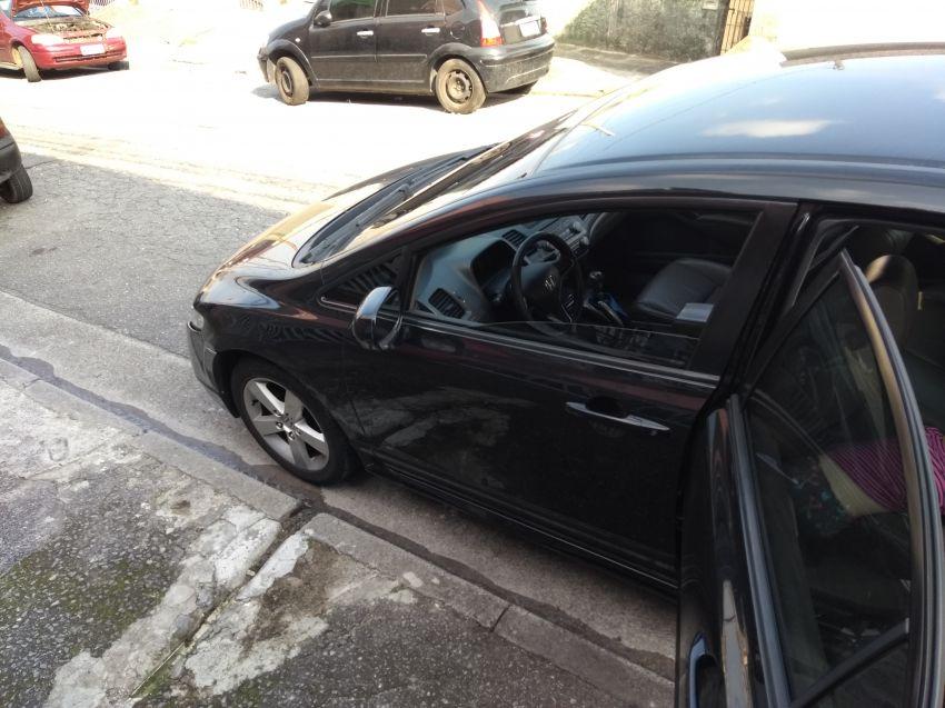 Honda New Civic LXS 1.8 16V (flex) - Foto #4