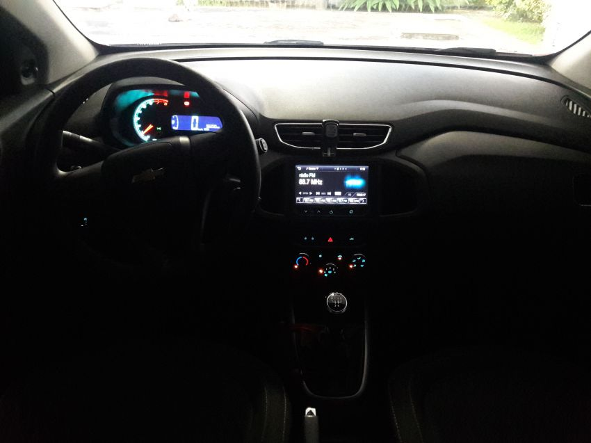 Chevrolet Onix 1.0 Loolapalooza SPE/4 - Foto #4