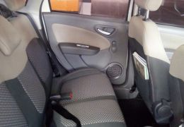 Fiat Grand Siena Essence Dualogic 1.6 (Flex) - Foto #7