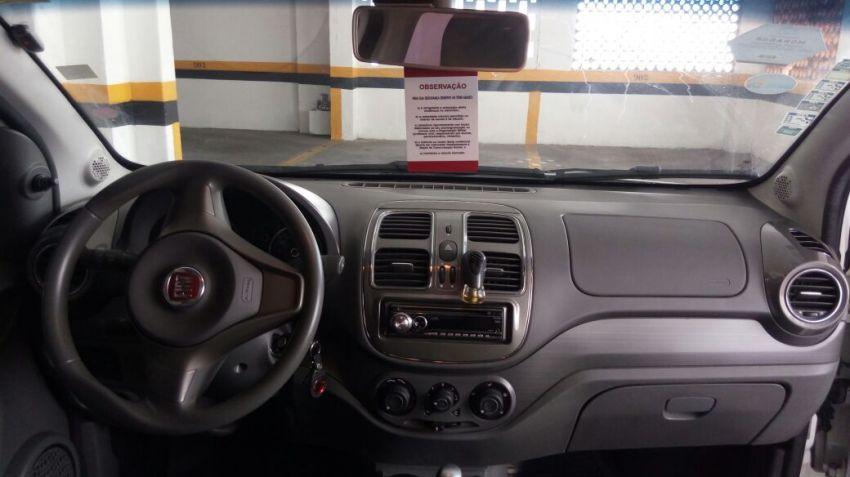 Fiat Grand Siena Essence Dualogic 1.6 (Flex) - Foto #8