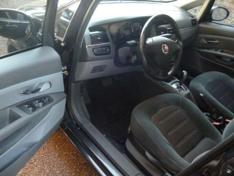 Fiat Linea Essence Sublime 1.8 16V (flex) - Foto #6