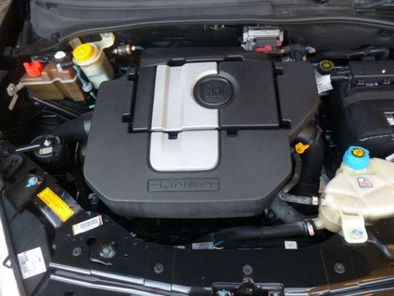 Fiat Linea Essence Sublime 1.8 16V (flex) - Foto #9