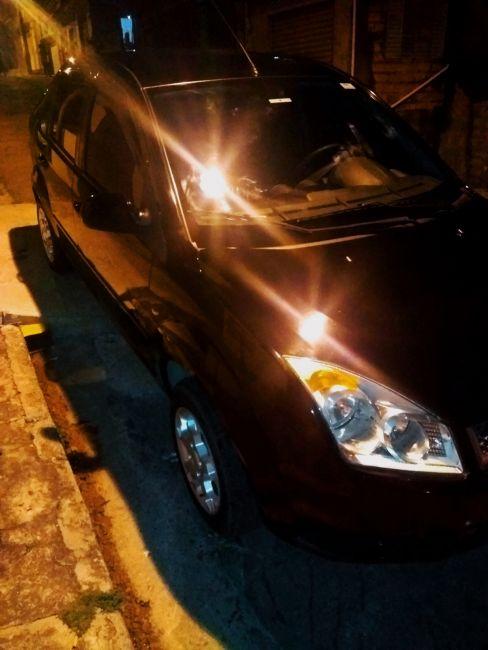 Ford Fiesta Sedan 1.0 (Flex) - Foto #4