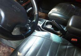 Jeep Grand Cherokee Laredo 4.0 V6
