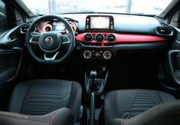 Fiat Argo HGT 1.8 E.Torq (Flex) - Foto #2