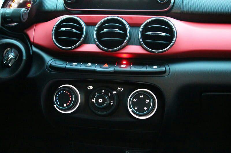 Fiat Argo HGT 1.8 E.Torq (Flex) - Foto #3