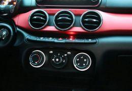 Fiat Argo HGT 1.8 E.Torq (Flex) - Foto #4