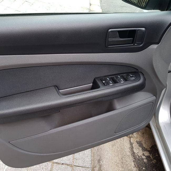 Ford Focus Sedan GLX 2.0 16V (Aut) - Foto #7