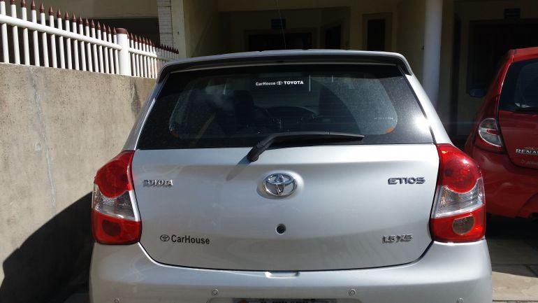 Toyota Etios XS 1.5 (Flex) - Foto #8