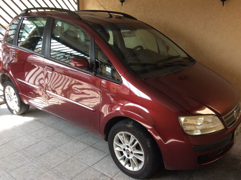Fiat Idea ELX 1.4 (Flex) - Foto #1