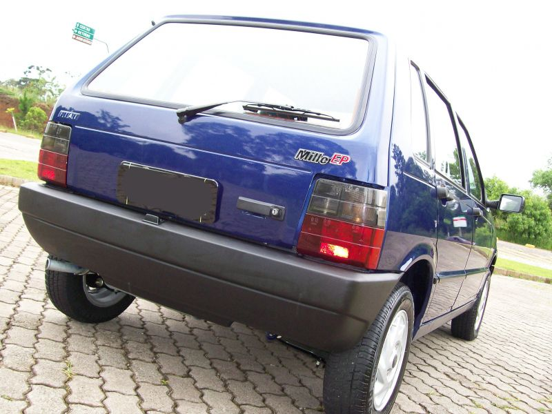 Fiat Uno Attractive 1.0 (Flex) 4p - Foto #5