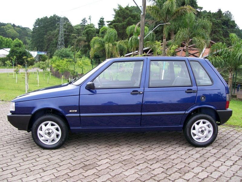 Fiat Uno Attractive 1.0 (Flex) 4p - Foto #8