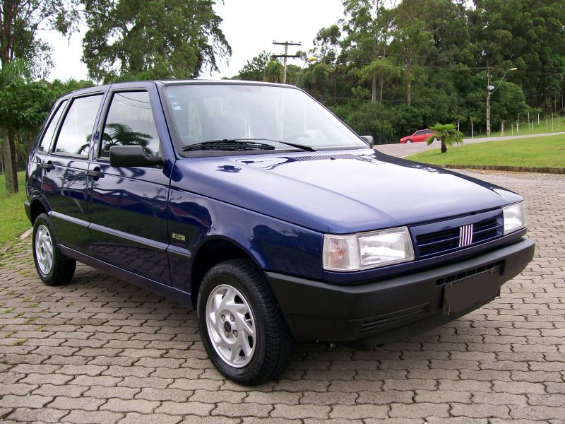 Fiat Uno Attractive 1.0 (Flex) 4p - Foto #1