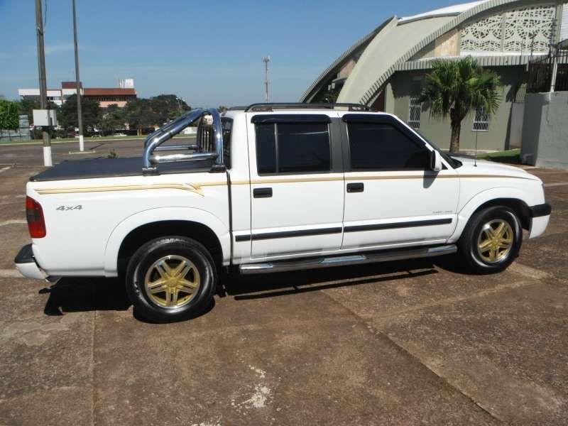 Chevrolet S10 Executive 4x4 2.8 Turbo Electronic (Cabine Dupla) - Foto #2