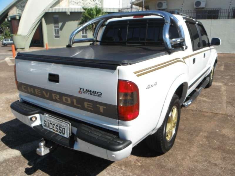 Chevrolet S10 Executive 4x4 2.8 Turbo Electronic (Cabine Dupla) - Foto #3
