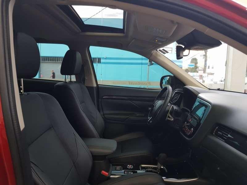 Mitsubishi Outlander 2.2 DI-D Top 4WD - Foto #8