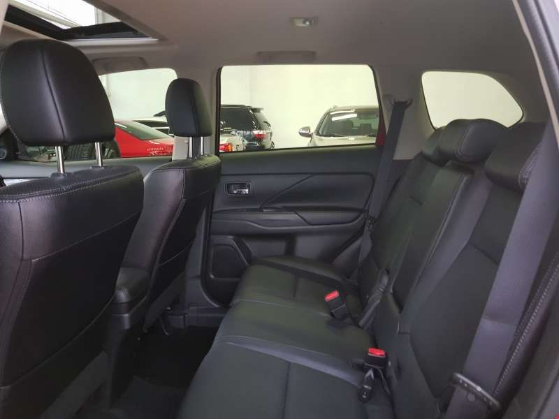 Mitsubishi Outlander 2.2 DI-D Top 4WD - Foto #9