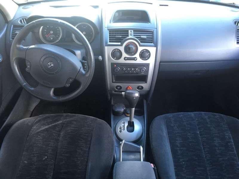 Renault Mégane Sedan Dynamique 2.0 16V (aut) - Foto #2