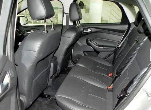 Ford Focus Sedan Titanium Plus 2.0 PowerShift - Foto #7
