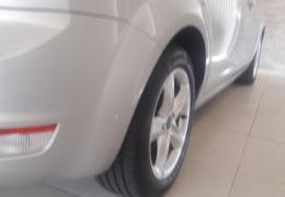 Ford Focus Hatch GL 1.6 16V (Flex) - Foto #5