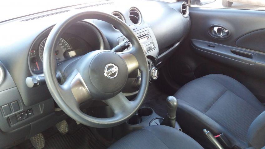 Nissan March 1.6 16V SV (Flex) - Foto #6