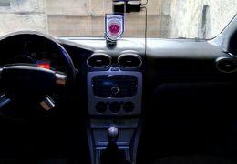 Ford Focus Sedan FC 2.0 16V - Foto #2