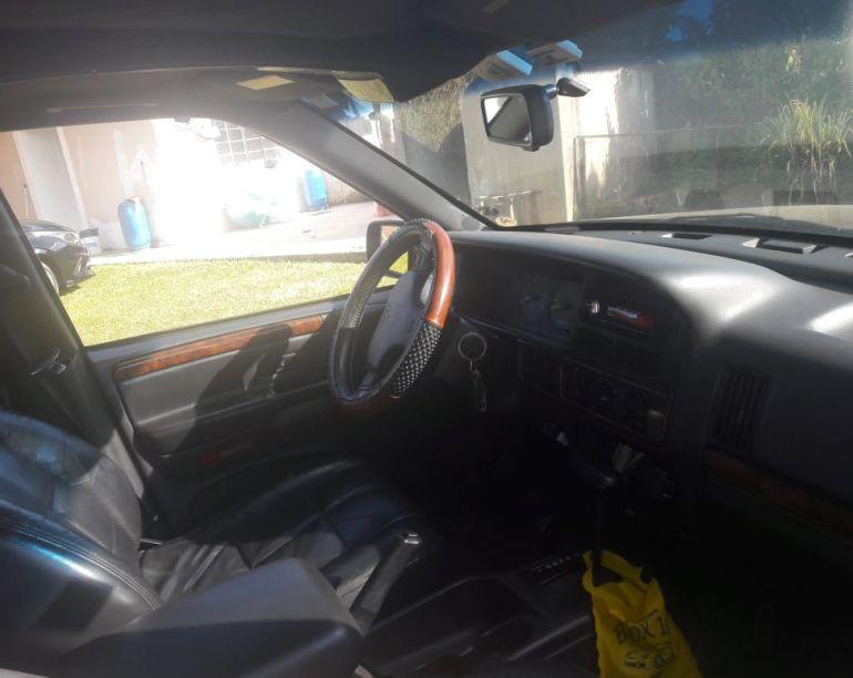 Jeep Grand Cherokee Limited 5.2 V8 - Foto #2