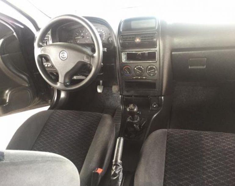 Chevrolet Astra Sedan 2.0 16V - Foto #9