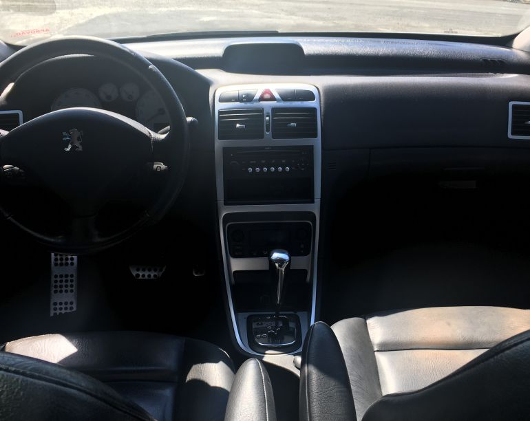 Peugeot 307 Hatch. Feline 2.0 16V (aut) - Foto #2