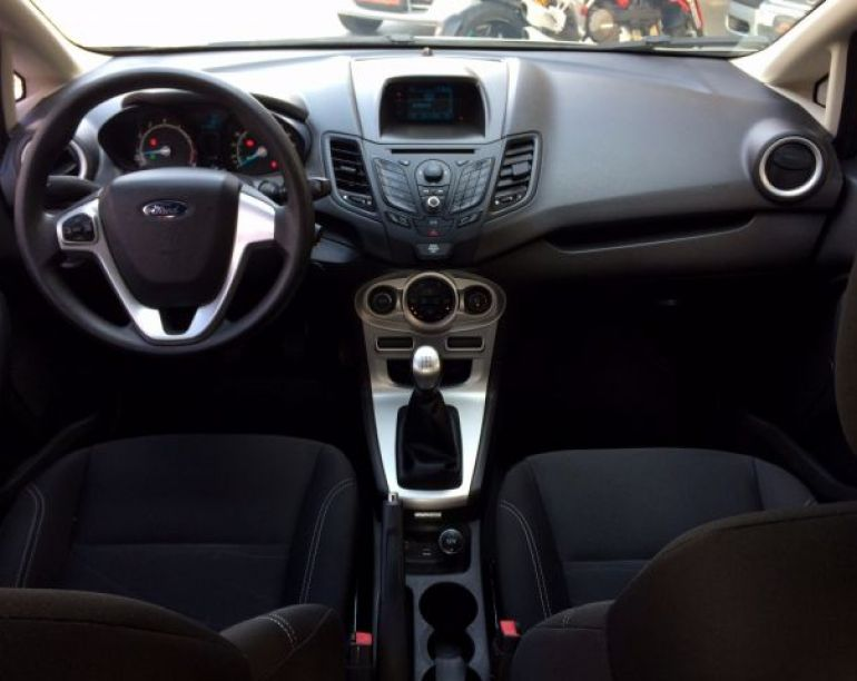 Ford Fiesta Sedan SE 1.6 - Foto #4
