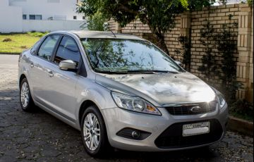Ford Focus Sedan GLX 2.0 16V Duratec (Aut)