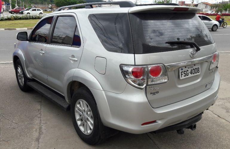 Toyota Hilux SW4 3.0 TDI 4x4 SRV 7L - Foto #5