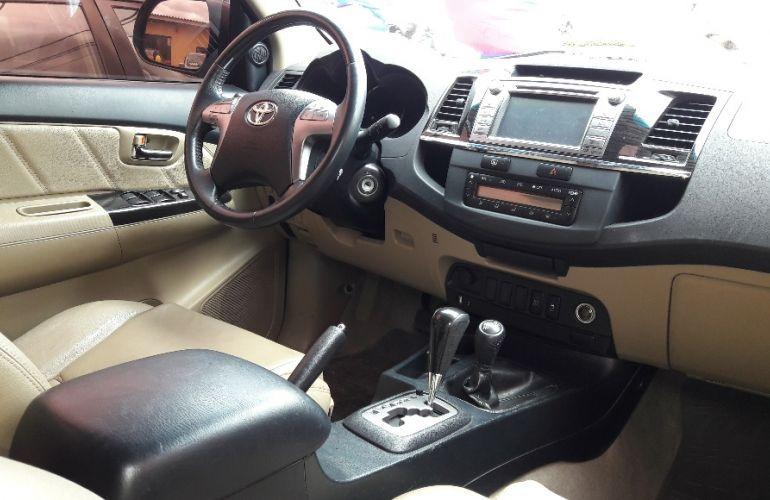 Toyota Hilux SW4 3.0 TDI 4x4 SRV 7L - Foto #10