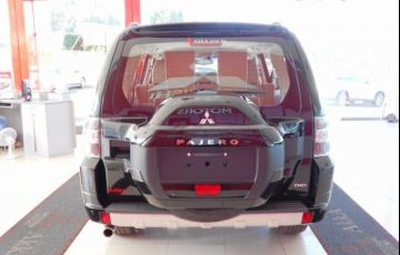 Mitsubishi Pajero Full HPE 4X4 3.2 Turbo Intercooler 16V - Foto #5