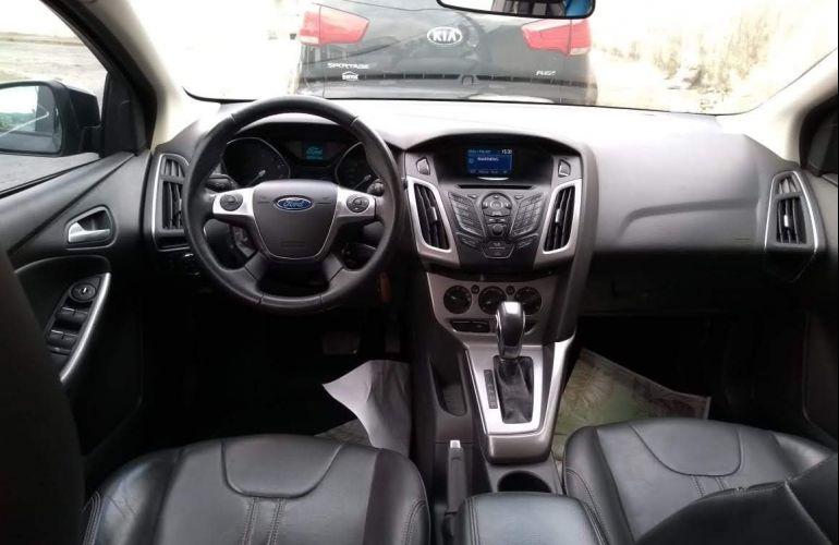 Ford Focus Hatch SE 1.6 16V TiVCT PowerShift - Foto #3