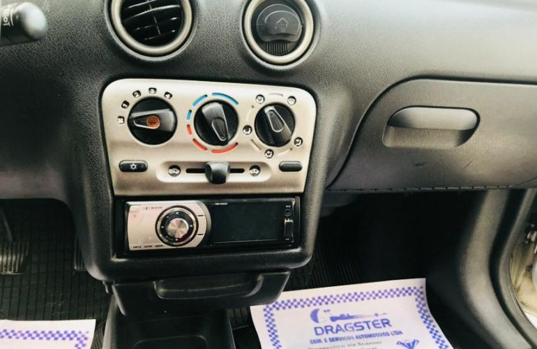 Chevrolet Celta 1.0 VHC 4p - Foto #1