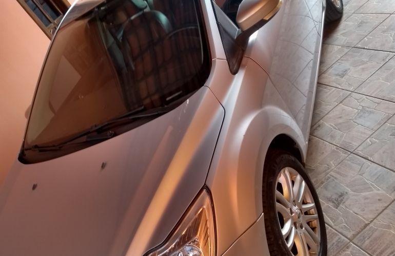 Ford Focus Sedan Ghia 2.0 16V Duratec (Aut) - Foto #3
