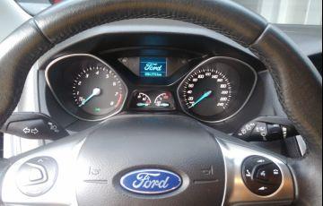 Ford Focus Hatch SE 2.0 16V PowerShift - Foto #5